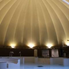 Dôme: Spa de style de style eclectique par JULLIEN CONFORT & HARMONY