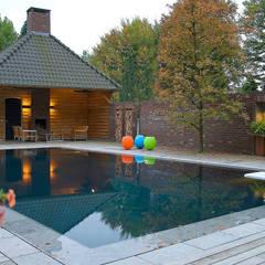 สระว่ายน้ำ by Van Mierlo Tuinen | Exclusieve Tuinontwerpen