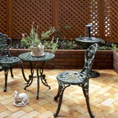 生活を楽しむ庭: Enatsu Garden Architect / 江夏庭苑事務所が手掛けた庭です。