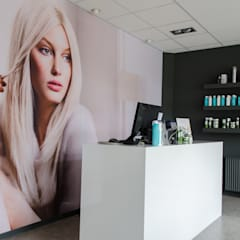 Restyling Kapsalon:  Kantoor- & winkelruimten door Mignon van de Bunt Interieurontwerp, Styling & Realisatie