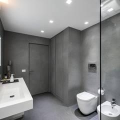 ห้องน้ำ by Laboratorio di Progettazione Claudio Criscione Design