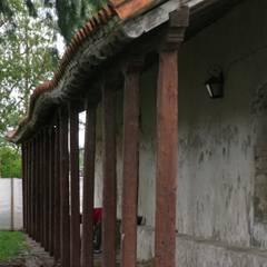 CAPILLA NTRA SRA DE LA CANDELARIA: Paredes de estilo  por OsmO.tec