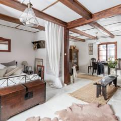 colonial Bedroom by dziurdziaprojekt