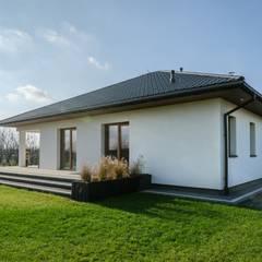 Realizacja projektu Ariel: styl , w kategorii Bungalow zaprojektowany przez Biuro Projektów MTM Styl - domywstylu.pl
