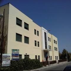 Liceo Vittorio Emanuele III Patti (ME): Studio in stile  di Studio di Ingegneria Parlagreco