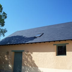 Gable roof by Recasa  S.L.