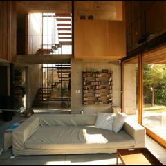Casa OLIVOS: Livings de estilo  por Arquitecto Alejandro Sticotti,Rural