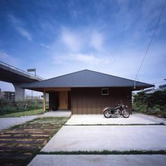 東山崎の家: TENKが手掛けた家です。
