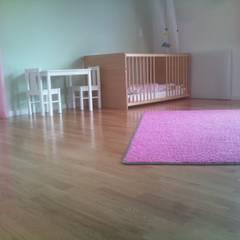 Privathaus in Aschaffenburg:  Kinderzimmer von Peters  Bodenbeläge