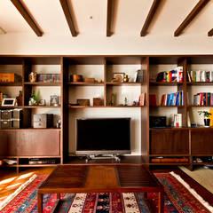 اتاق نشیمن by エイチ・アンド一級建築士事務所 H& Architects & Associates