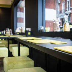 Godo: Gastronomia in stile  di OverAlls architecture