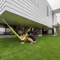 KAWATE モダンな庭 の 武藤圭太郎建築設計事務所 モダン 金属