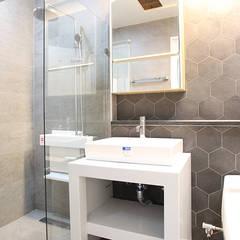 [엔디하임] 모던형 럭셔리 하우스 - 경남 김해: 엔디하임 - ndhaim의  욕실,모던