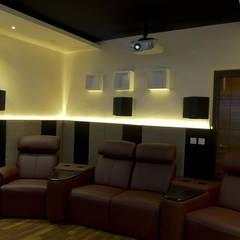 غرفة الميديا تنفيذ KREATIVE HOUSE