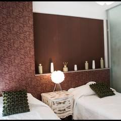 Segundo Dormitorio: Dormitorios de estilo  por Diseñadora Lucia Casanova
