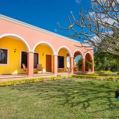 colonial Houses by PORTO Arquitectura + Diseño de Interiores