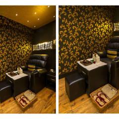 Ruang Komersial by Ishita Joshi Designs - Love Living!