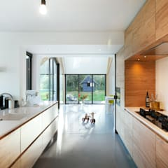 Barn Living:  Keuken door Bureau Fraai