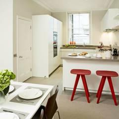 Small U Shaped Kitchen  :  Kitchen by Elan Kitchens,