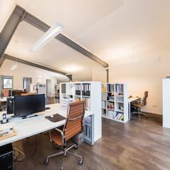 Ruang Kerja oleh Helwig Haus und Raum Planungs GmbH, Modern