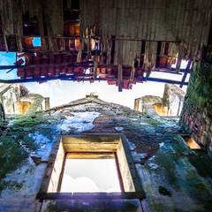 Recuperação do Antigo Colégio de Aldeia da ponte Janelas e portas rústicas por David Bilo   Arquitecto Rústico Pedra