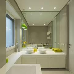 Bathroom by Arabella Rocca Architettura e Design