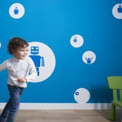 Trastevere House: Stanza dei bambini in stile  di Arabella Rocca Architettura e Design