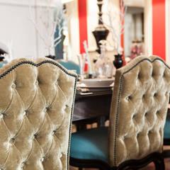 silla comedor Mis en Demeure by Disak: Oficinas y Tiendas de estilo  de Disak Studio