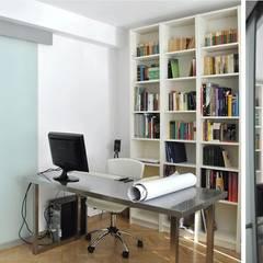 Appartement B: Bureau de style  par Autrement Architecture