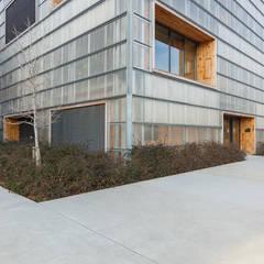 Arquitectura: Edificios de oficinas de estilo  de INNER Architectural & Interiors Photography