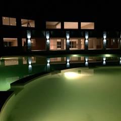 La Alameda - Barrio Privado & Spa: Spa de estilo  por Surpool - Diseño de Espacios de Agua