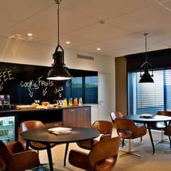 Sala de Reunião: Hotéis  por Pureza Magalhães, Arquitectura e Design de Interiores