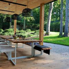 Villa in 't Gooi:  Terras door Designa Interieur & Architectuur BNA, Modern