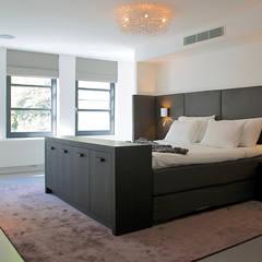 Villa in 't Gooi:  Slaapkamer door Designa Interieur & Architectuur BNA,
