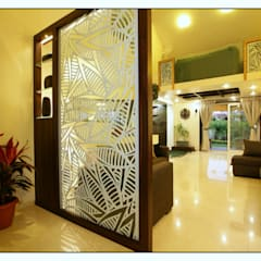 View of the Living Space from the Entrance Lobby:  Corridor & hallway by Navmiti Designs