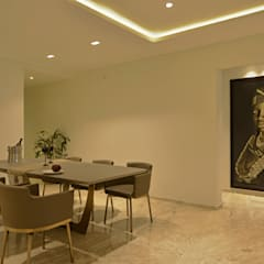 Showflat for Mahindra Lifespace: minimalistic Dining room by Aum Architects