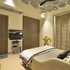 Duplex Apartment design:  Bedroom by Aum Architects