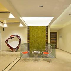 راهرو by Aum Architects
