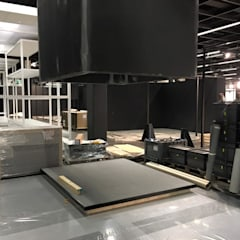 VERYWOOD IMM 2016 COLONIA - DESIGN STUDIO RAGNI: Allestimenti fieristici in stile  di Mag arredamenti - allestimenti