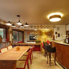Casa São Bento Adegas clássicas por Jacqueline Ortega Design de Ambientes Clássico