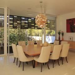 Comedores de estilo  de Echauri Morales Arquitectos,