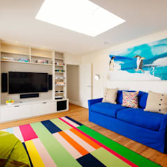 TV Room : modern Media room by Perfect Stays