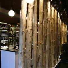 """Das zweigeschossige Restaurant """"Davai!"""", Nowosibirsk. :  Bars & Clubs von nadine buslaeva interior design"""