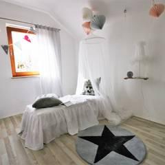 home staging Reihenhaus zum Verkauf:  Kinderzimmer von Münchner home staging Agentur GESCHKA