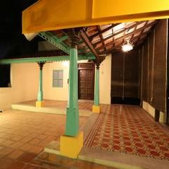 Minimal Melange house:  Terrace by Ansari Architects,