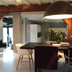Het Dijkhuis: eclectische Eetkamer door Grego Design Studio
