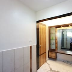 Toilet : Modern Bathroom By Ansari Architects
