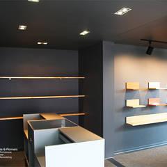 مكاتب ومحلات تنفيذ  (주)감동C&D 유니박스