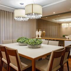 Residência St. Patricks: Salas de jantar  por Arquitetura Ao Cubo LTDA