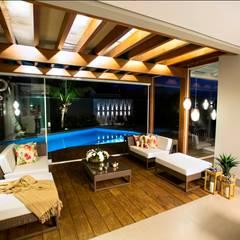 ระเบียง, นอกชาน โดย Arquitetura Ao Cubo LTDA, ทรอปิคอล
